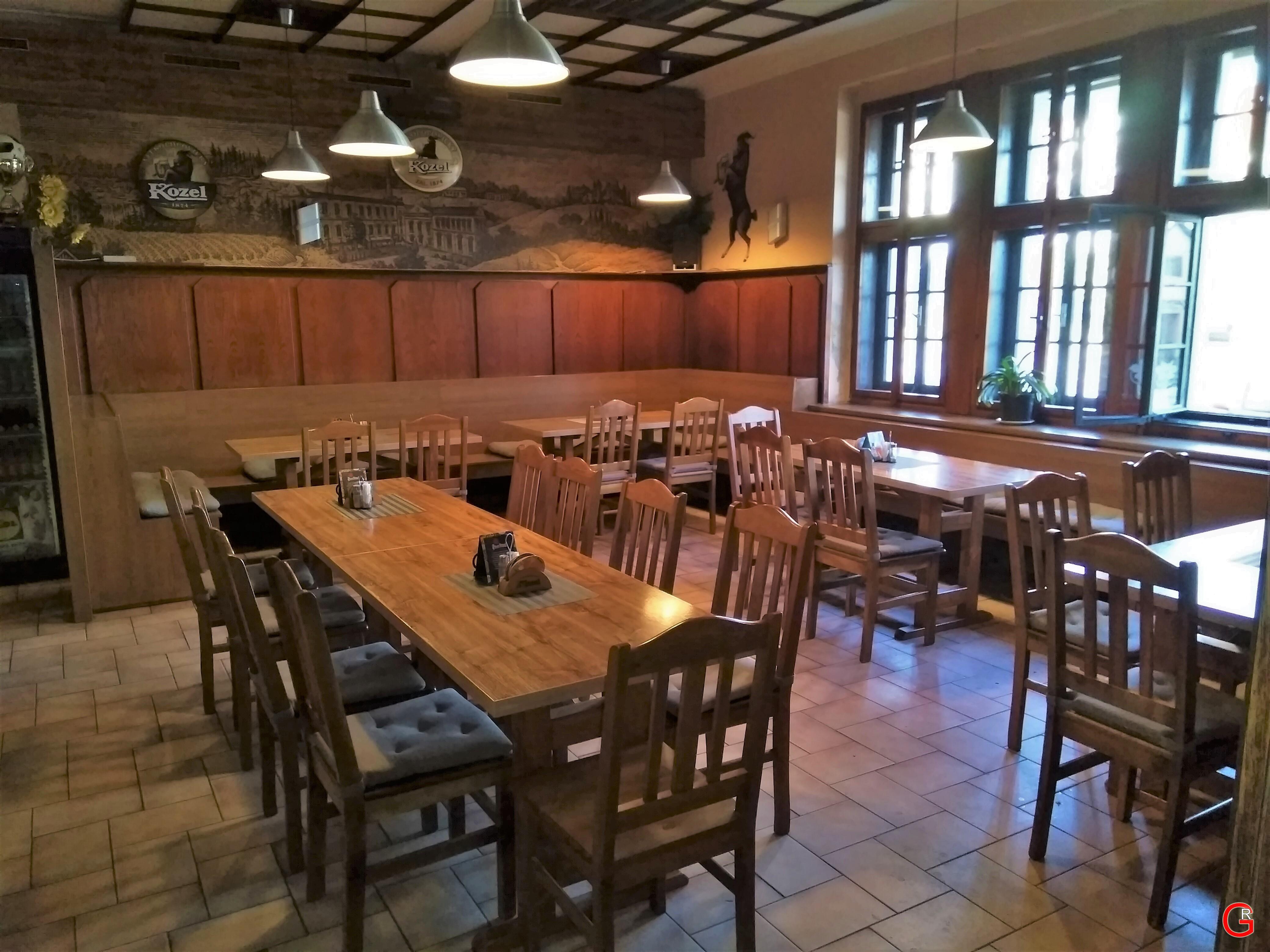 Restaurace u Sokola, interiér 1